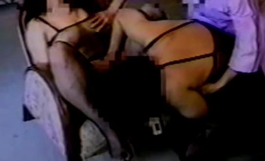 【個人撮影】ヤリマン女が集う変態サークル。いくつもの粘膜が擦れ合う、肉欲の宴。淫乱マンコにチンポポがヌキサシ。彼が私のハメられるところで興奮するんです。